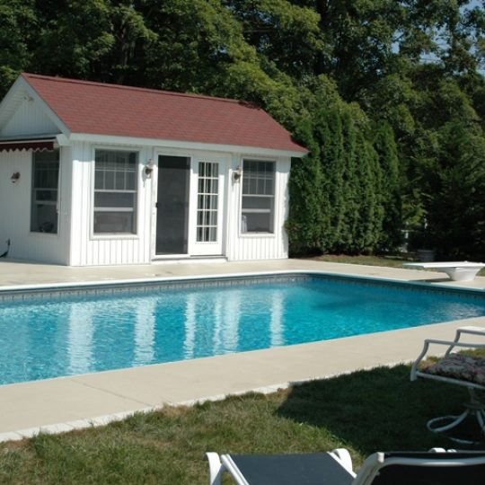 https://www.customconcretesolutionsct.com/wp-content/uploads/2019/04/Wallingford_Pool-540x540.jpg