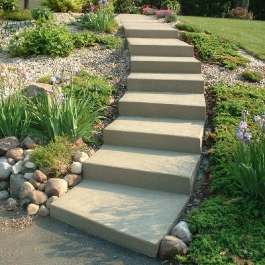 https://www.customconcretesolutionsct.com/wp-content/uploads/2019/04/Weiss_Side_Steps_lg-540x540.jpg