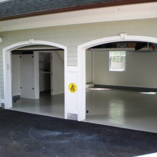 https://www.customconcretesolutionsct.com/wp-content/uploads/2019/04/Westport-Garage-540x540.jpg