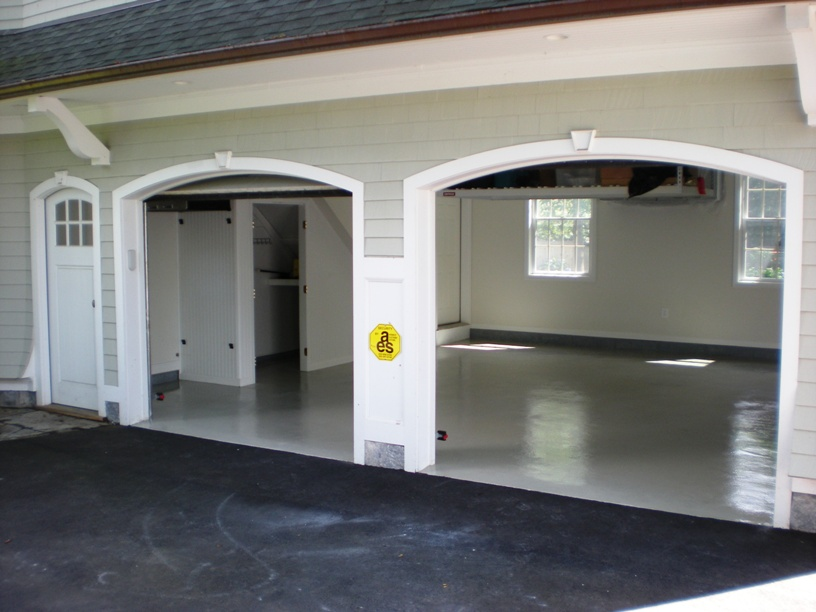 https://www.customconcretesolutionsct.com/wp-content/uploads/2019/04/Westport-Garage.jpg